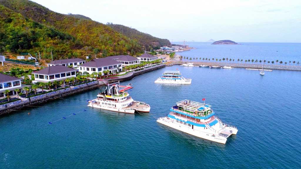 Hệ sinh thái Crystal Bay thu hút du khách đến nghỉ dưỡng?